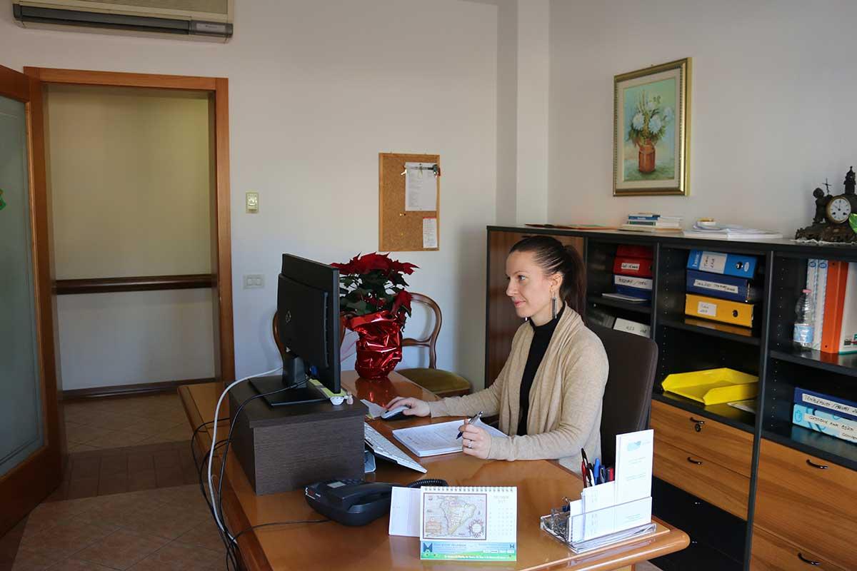Ufficio Casa Orari : Villa sant angela orari
